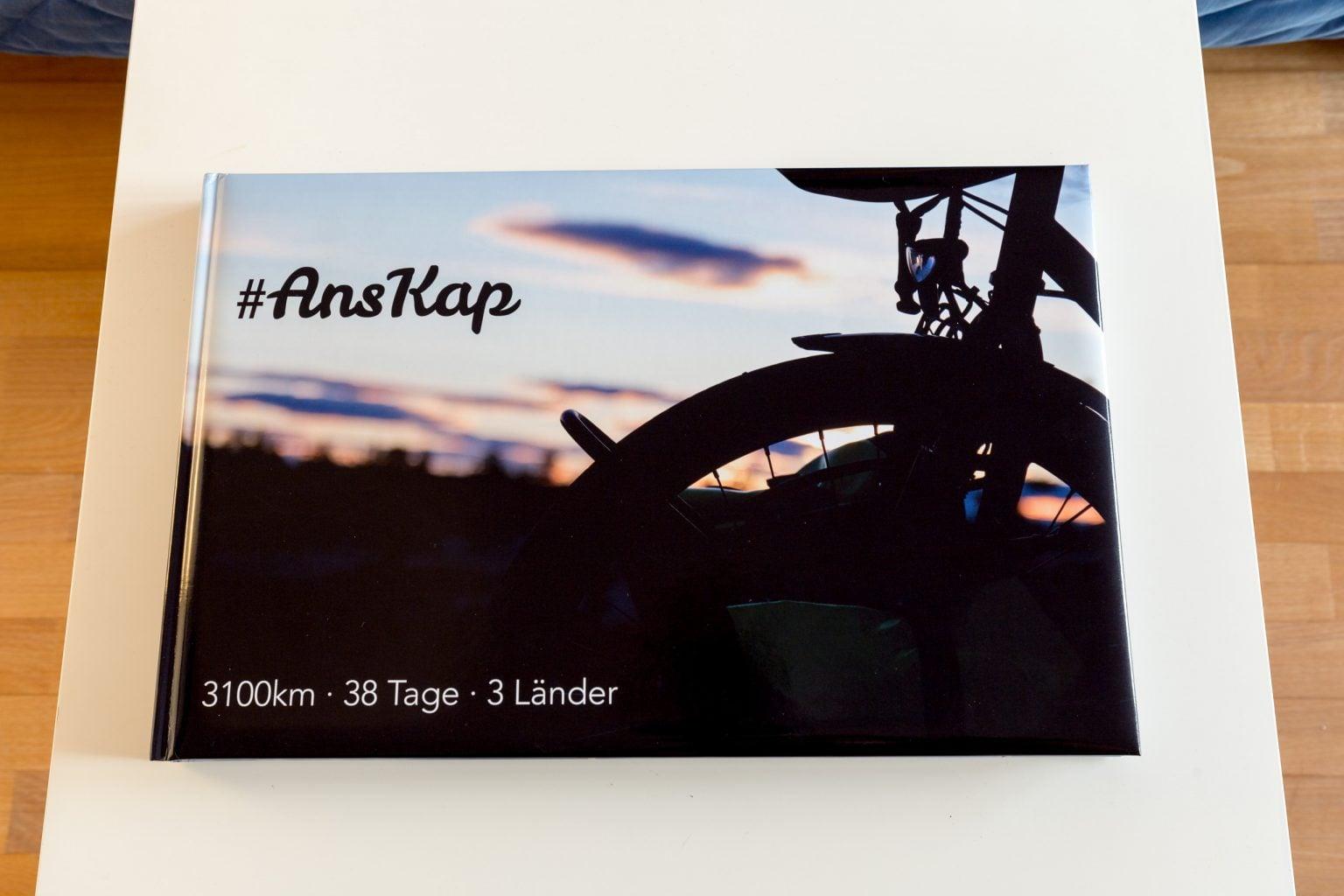 Bild des Frontcovers des Saal-Digital A3 Fotobuchs